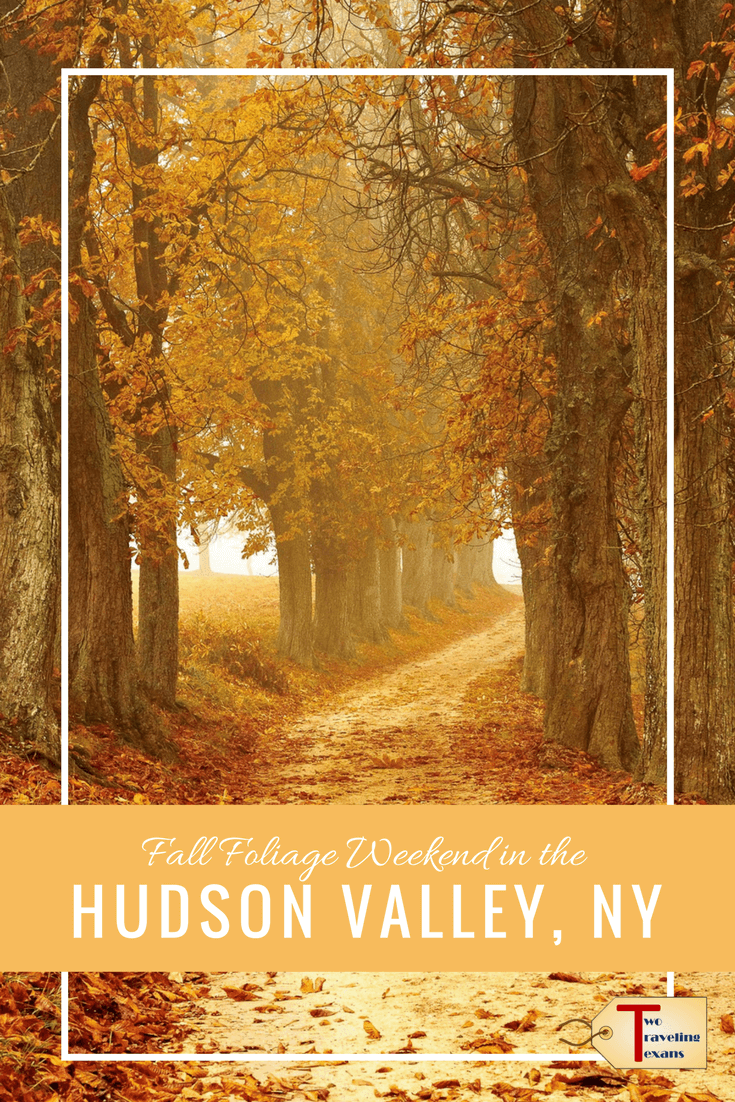 Tips on what to do (hiking, eating, & leaf peeping) so that you make the most out of your Hudson Valley Fall Foliage weekend. #newyorkstate #hudsonvalley #usa #fallfoliage #fallweekend #hiking #bearmountainstatepark #overlookmountain #upstateny
