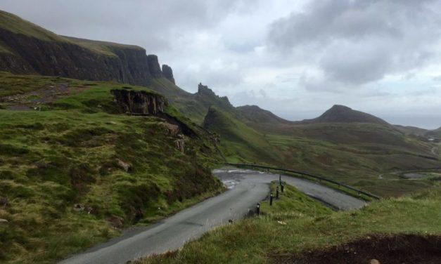 Driving in UK vs US: Road Trip Comparison