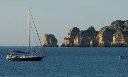 Algarve Caves By Boat with Bom Dia