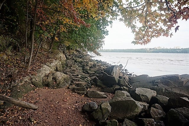 "We hiked along the shore of the Hudson River - ""Palisades Interstate Park: Perfect For a Fall Hike"" - Two Traveling Texans"
