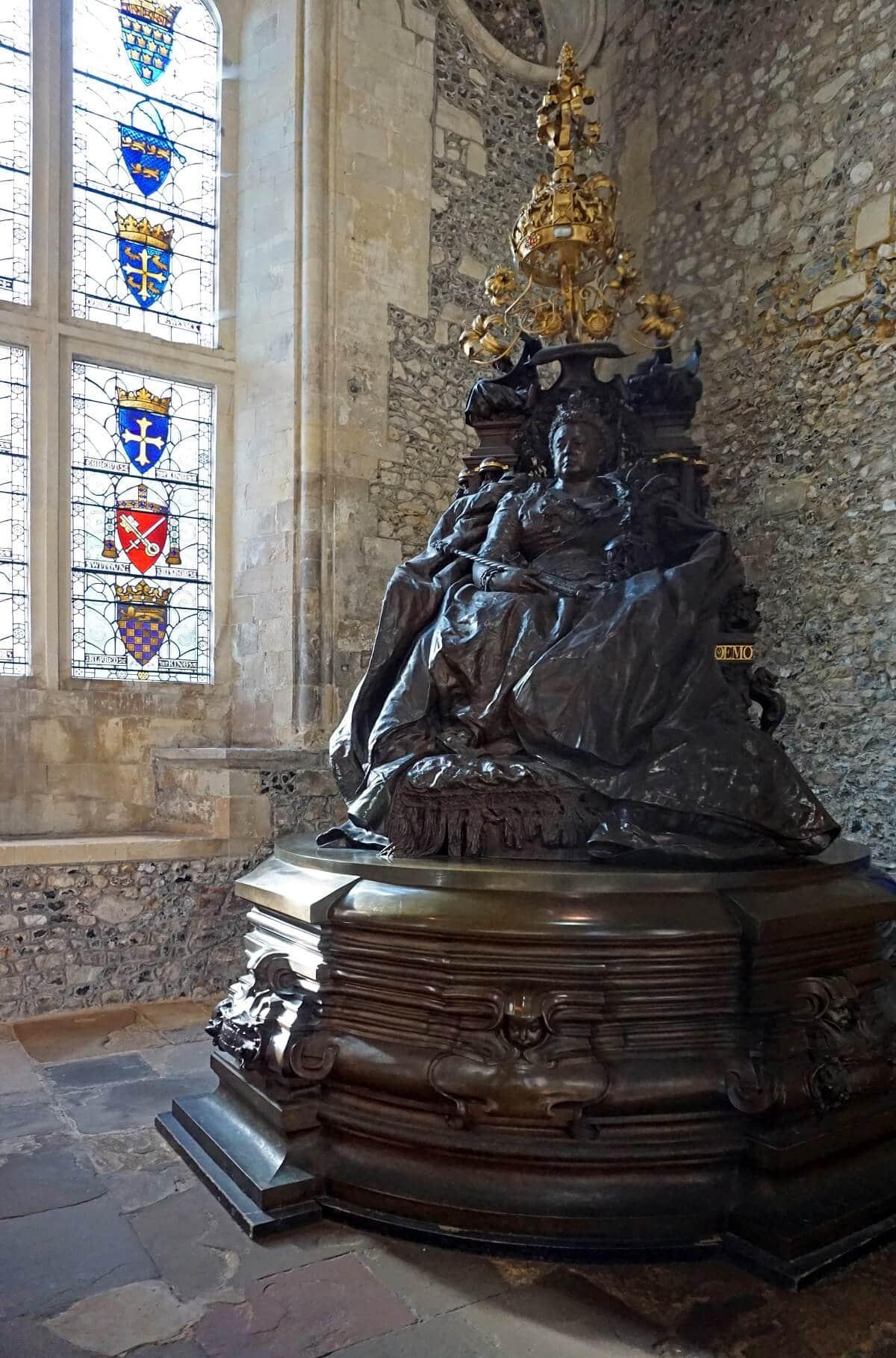Queen Victoria Statue -