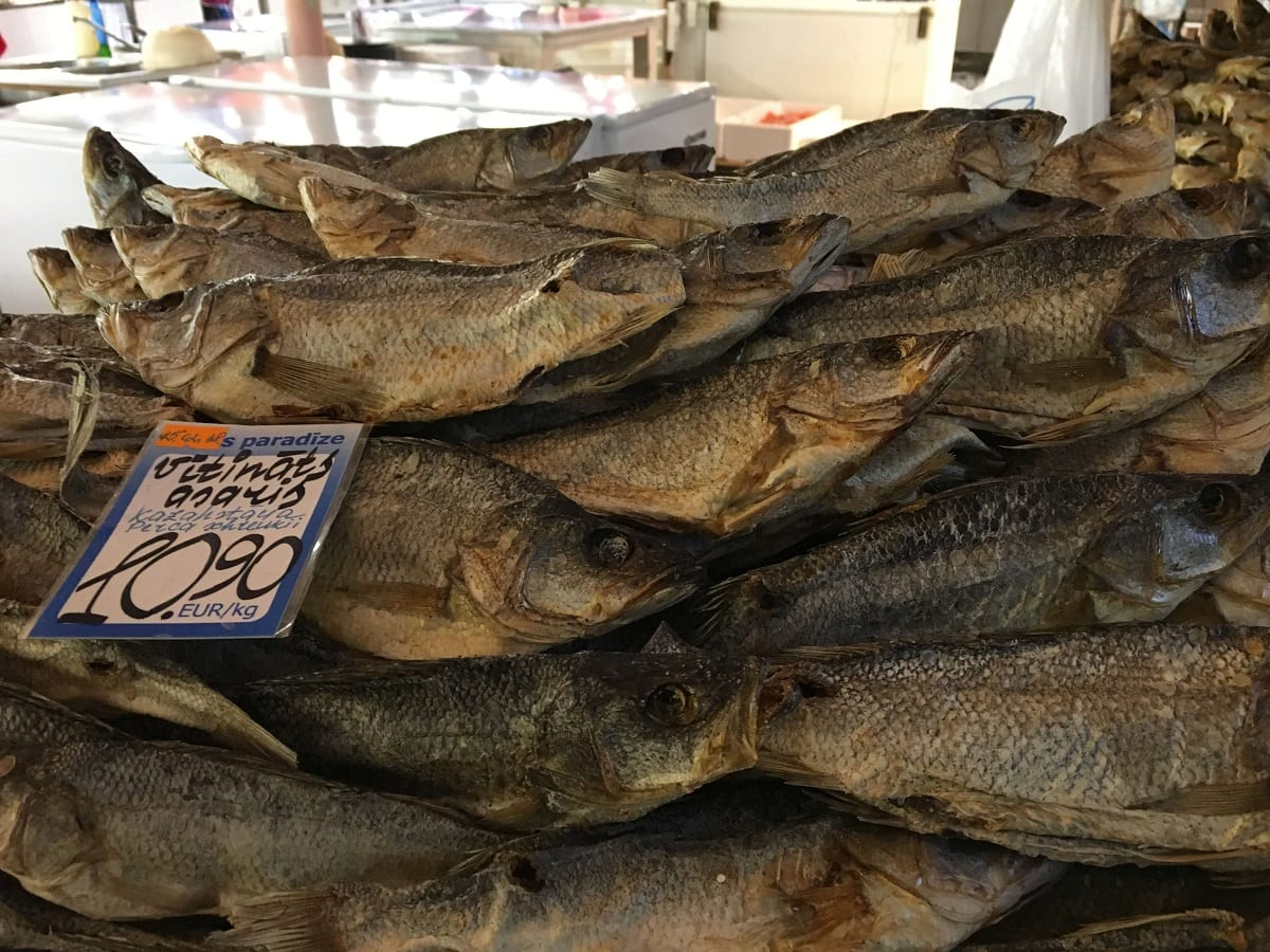 Some of the fish at the market was dried. - -