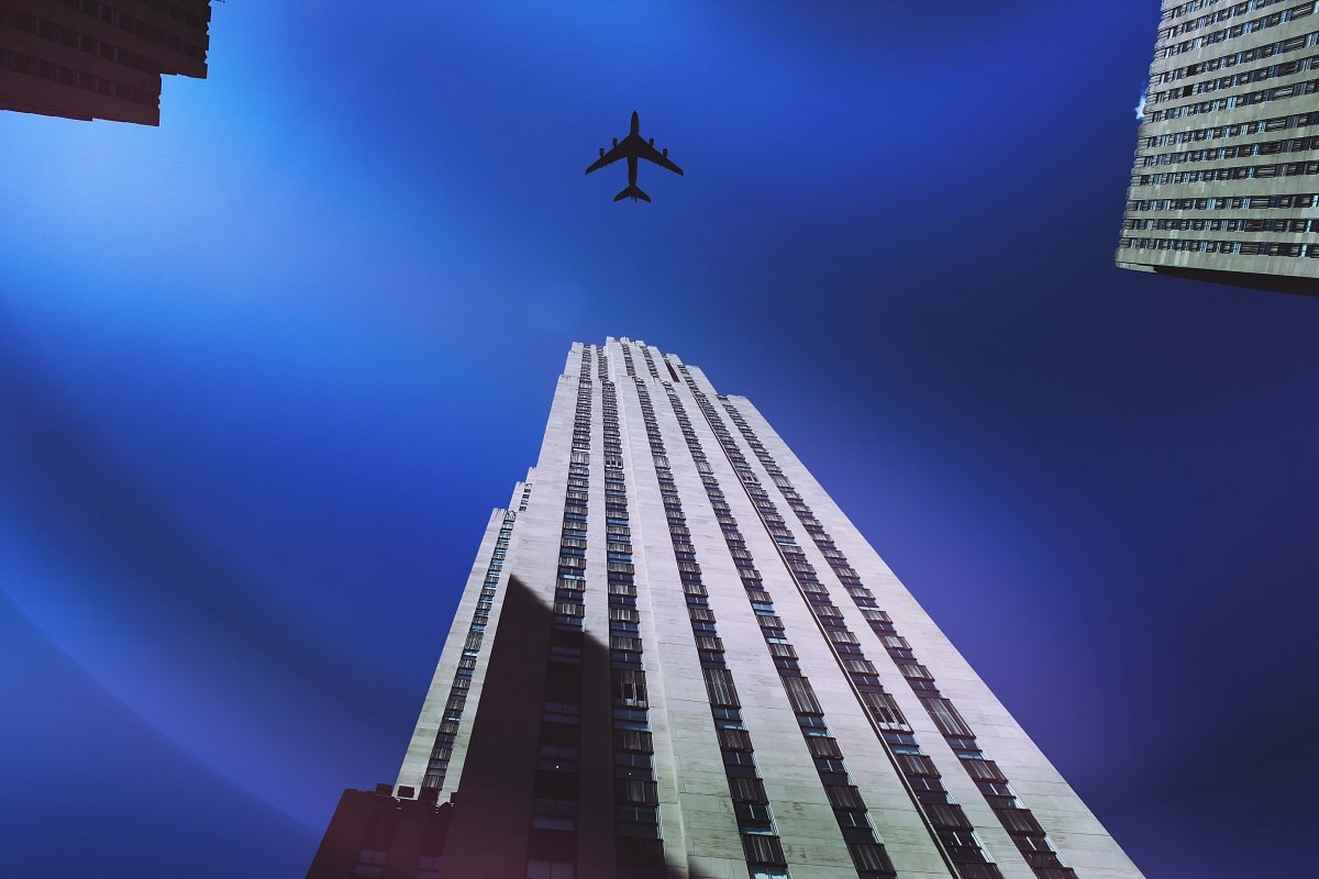 How to Transfer between NYC Airports - Two Traveling Texans