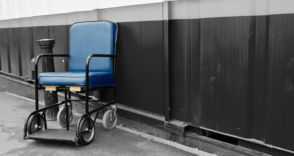 Traveling with a Leg Injury: What Everyone Needs to Know