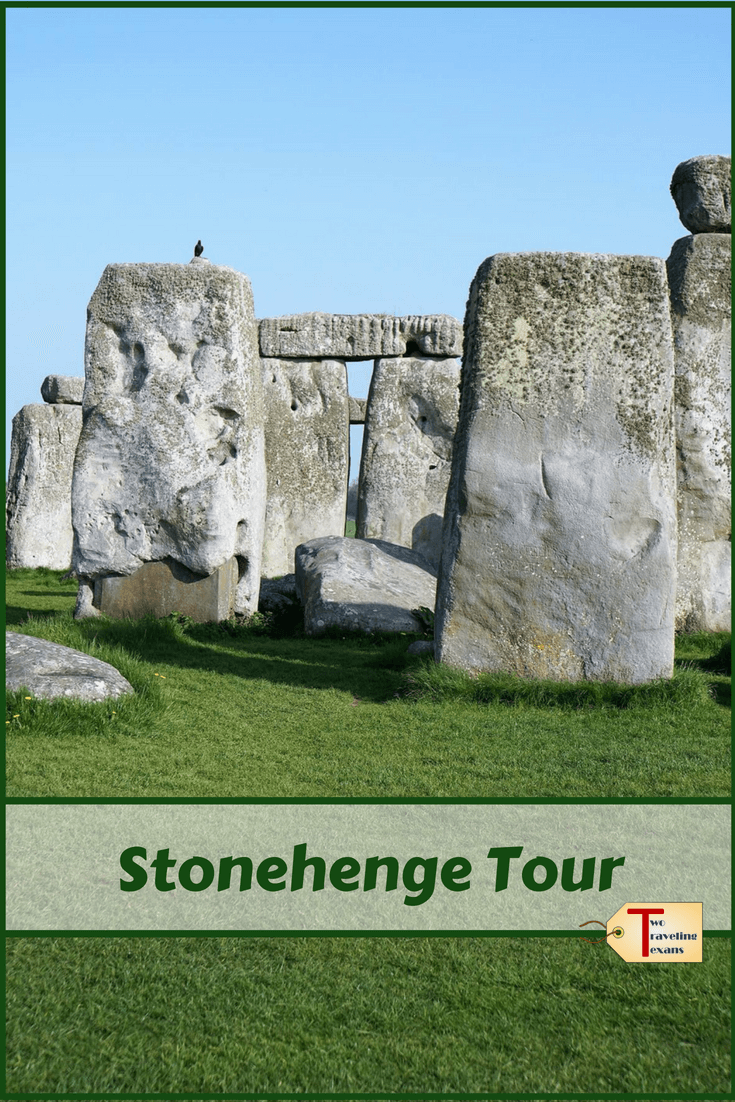 Want to visit Stonehenge on your trip to England? Find out how to get there and what to see.  Or if you prefer find out the different Stonehenge tour options.  | Stonehenge England | Stonehenge Tour From London | Stonehenge Travel | Stonehenge Day Trip | Stonehenge Summer Solstice #england #history #travel #traveltips
