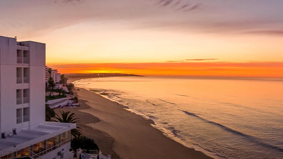 Holiday Inn Algarve Review – Hotel in Armação de Pêra Portugal
