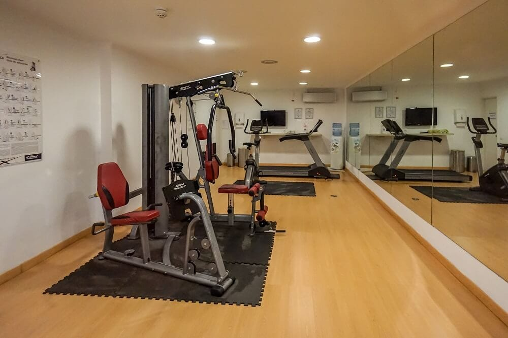 With the nice weather in the area, the gym at the Holiday Inn doesn't get much use!