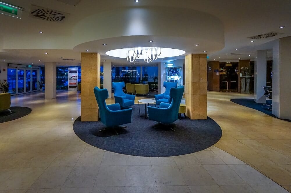 The lobby of the Holiday Inn Algarve