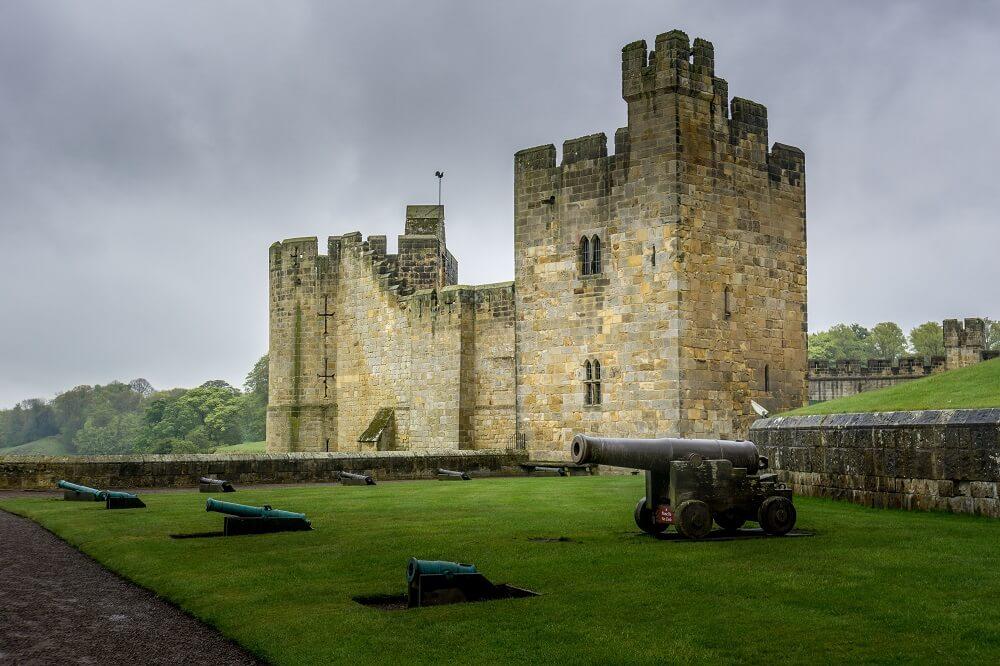 Alnwick Castle cannons