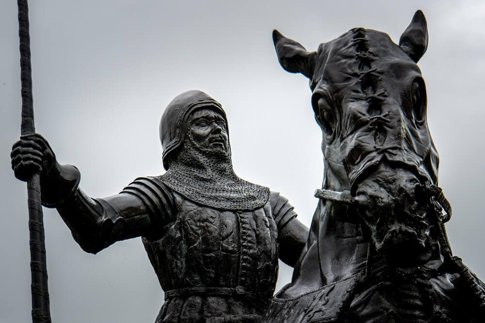 Harry Hotspur statue at Alnwick Castle