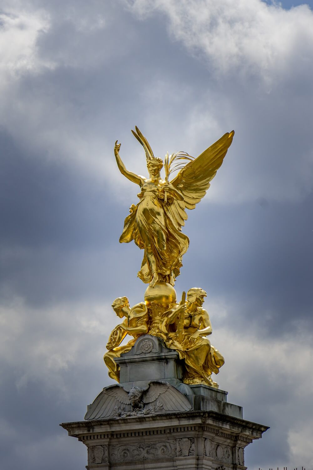 top of the Victoria memorial in front of Buckingham Palace