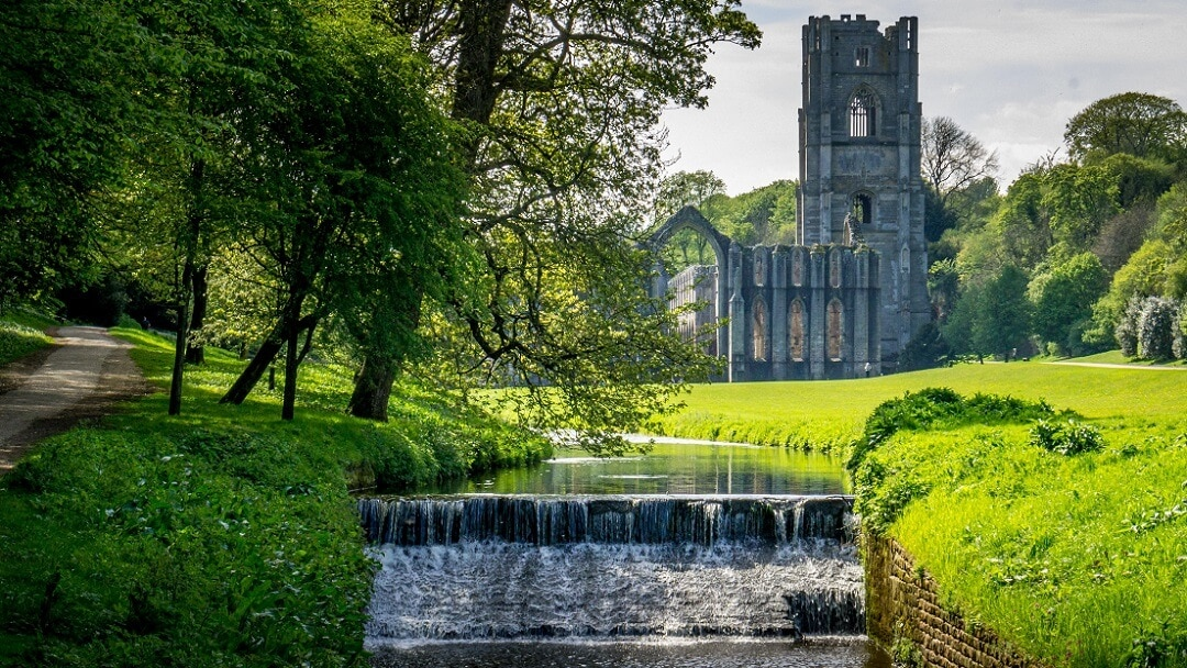 Visiting Fountains Abbey and Studley Royal in England