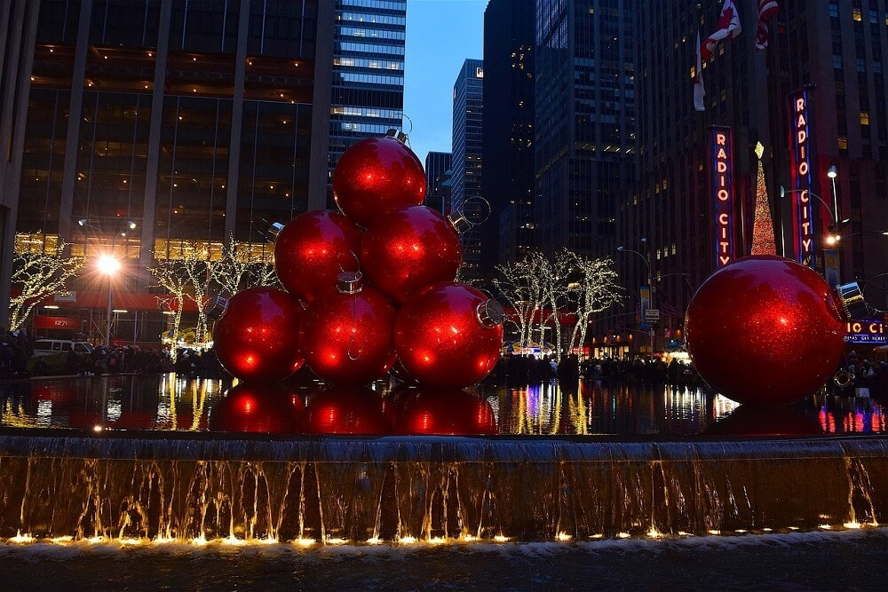 nyc christmas decorations