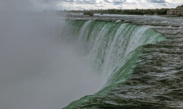 What to Pack for Niagara Falls