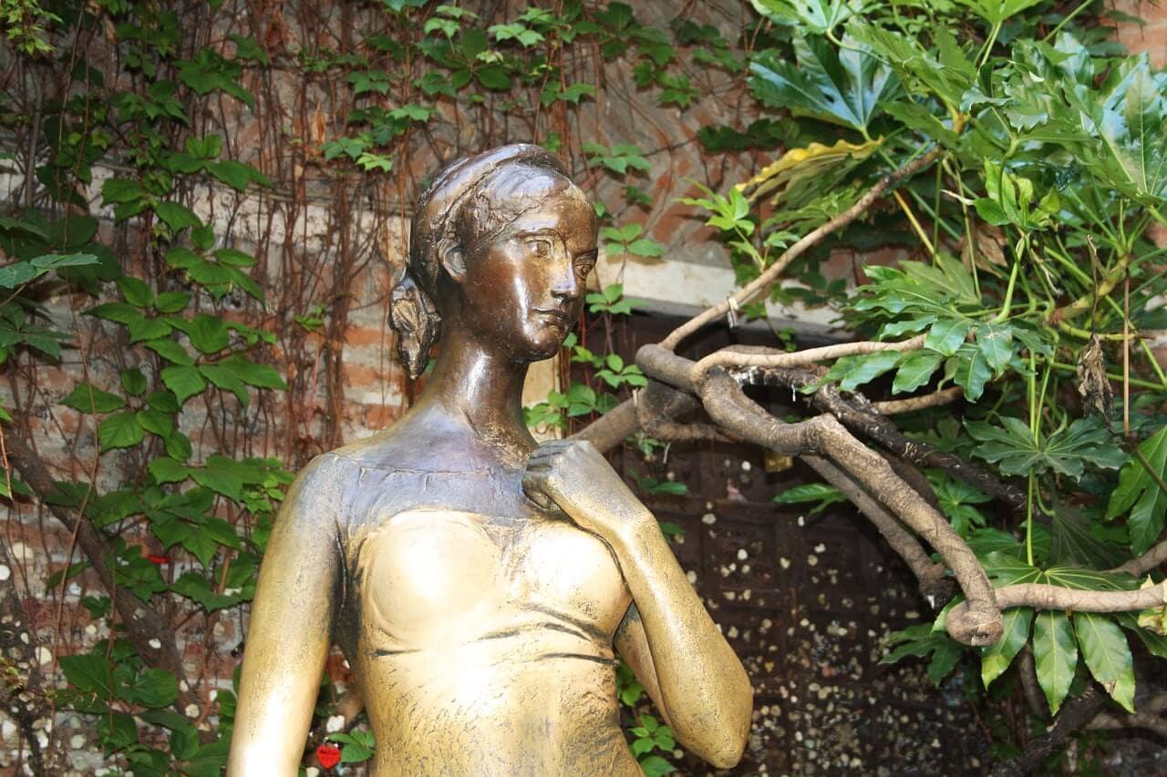 juliet statue in Verona Italy