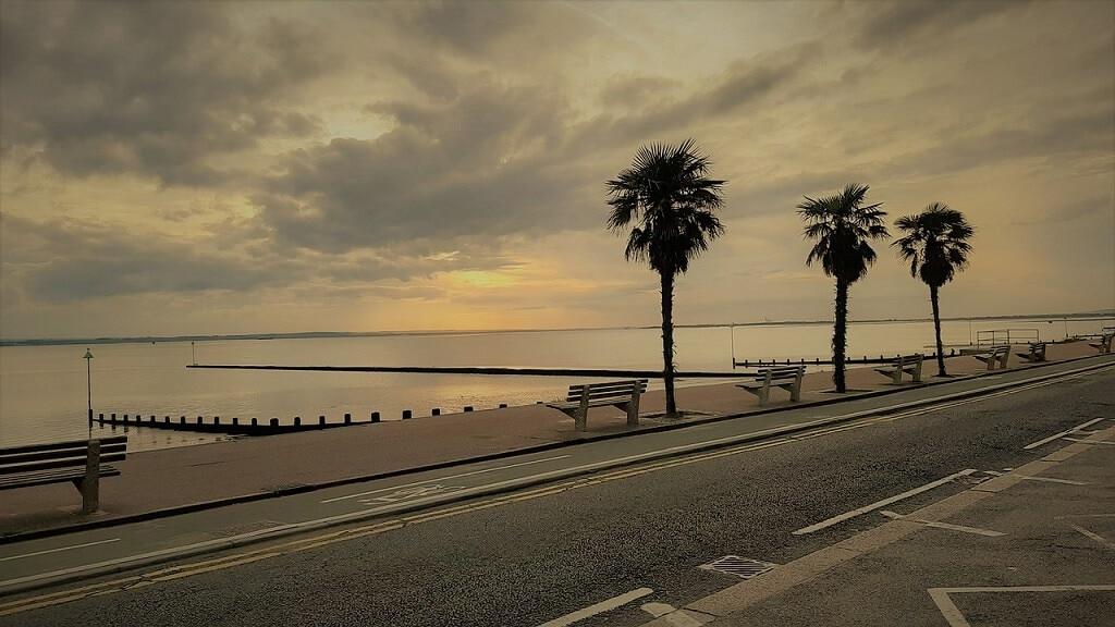 southend-on-sea beach at sunrise