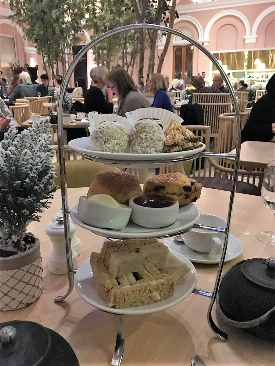 christmas themed afternoon tea at the Wallace Collection in London