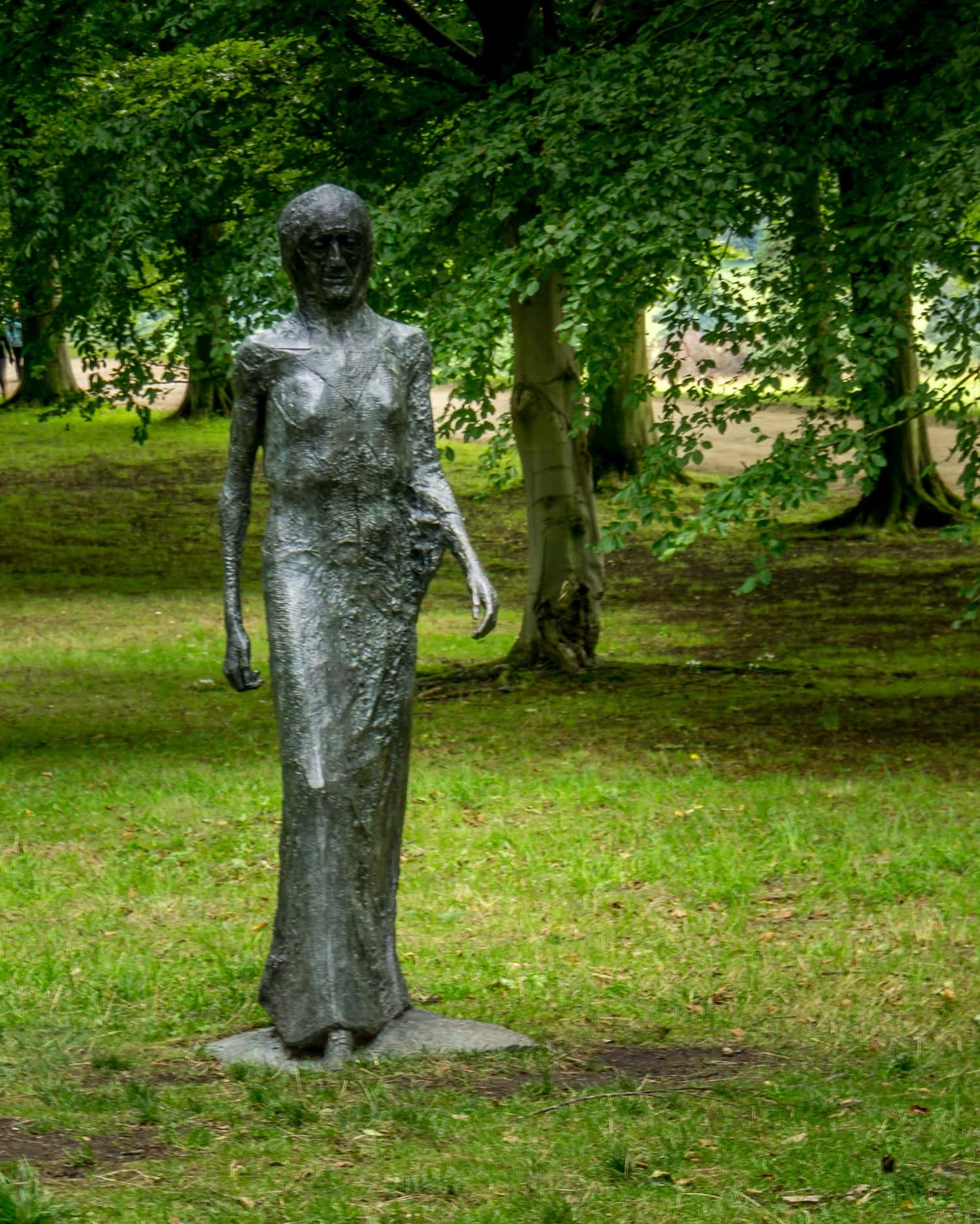 statue of a woman in the gardens at Chatsworth House