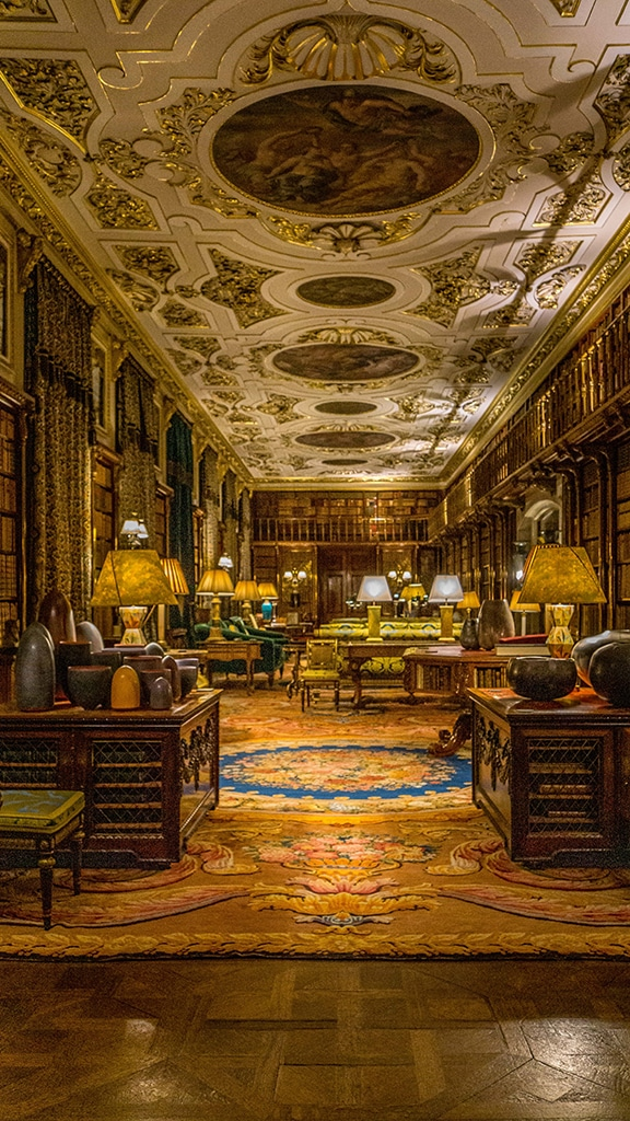 the library at Chatsworth House in England