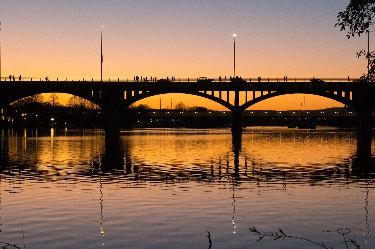 congress avenue bridge in austin
