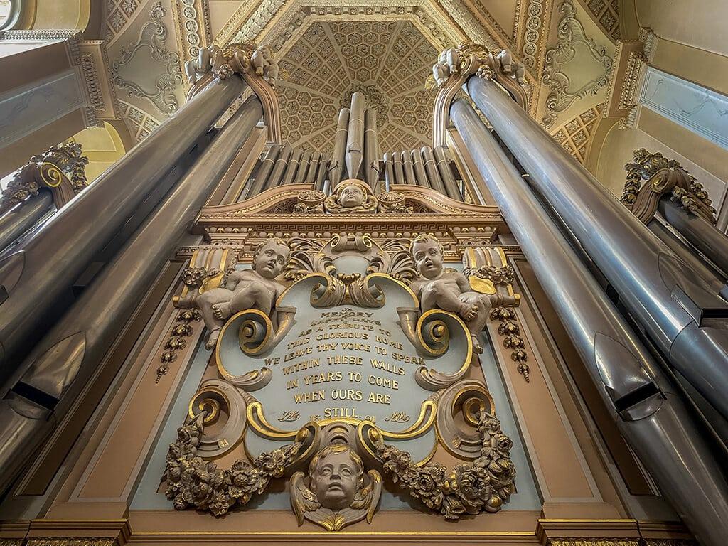 looking up at the organ at blenheim palace