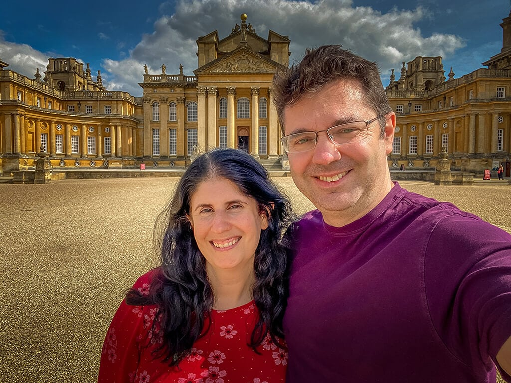 anisa and russell at blenheim palace