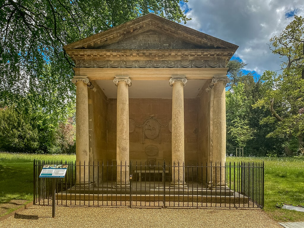 temple of diana in the formal gardens at blenheim palace