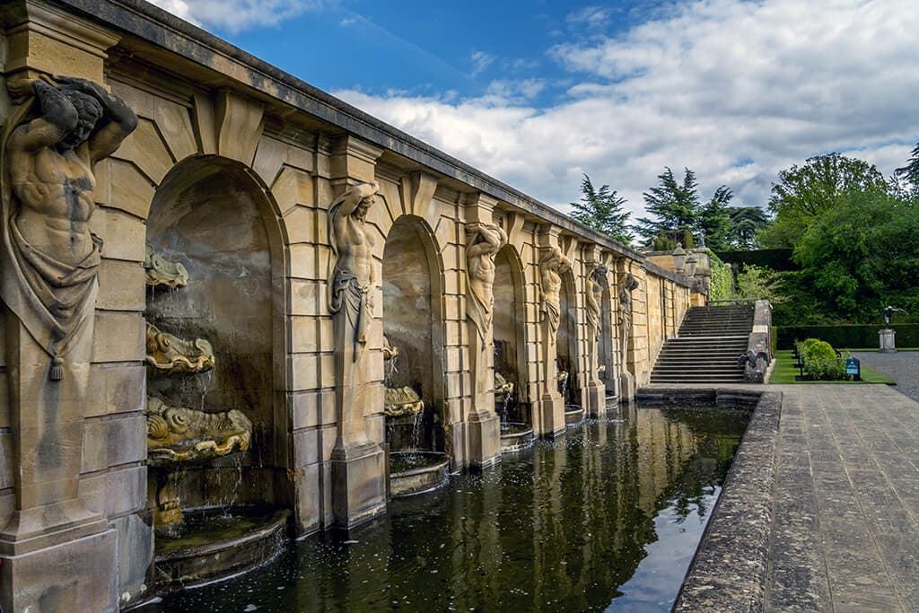 fountains in the formal gardens at blenheim palace
